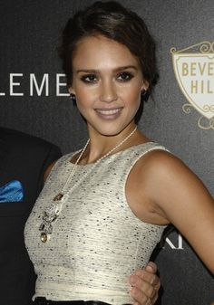 I love this jessica alba look