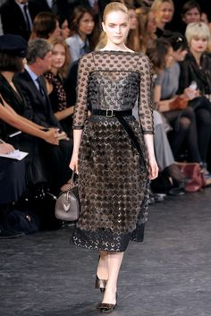 See the complete Louis Vuitton Fall 2010 Ready-to-Wear collection.