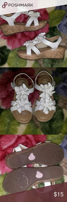 Little girls size 11 sandals Great condition Were a gift for my daughter but they are too small Has some scuff marks on the front Shoes Sandals & Flip Flops