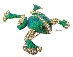 Large Vintage Green & Clear Rhinestone Tremblant Frog Pin http://www.jeweldiva.com/newest-additions/large-vintage-green-clear-rhinestone-tremblant-frog-pin.html
