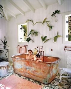 Take a relaxing dip in our archives with these seriously inspirational bathtubs.