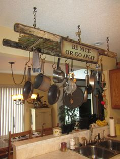 A DIY hanging pot rack project I actually DID finish! Pan Rack Hanging, Hanging Pots, Farmhouse Kitchen Decor, Country Kitchen, Kitchen Layout Plans, Retro Lampe, Pot Hanger, Kitchen Shelves, Kitchen Racks