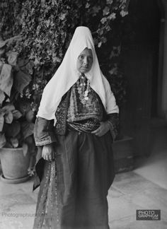 Bethlehem woman. Bethlehem, Palestine. 1900-1920. Photograph: Matson Collection.