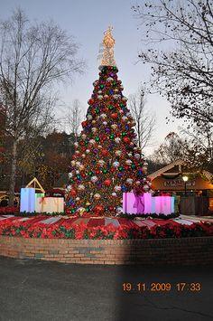 dollywood christmas tree - Tennessee Christmas