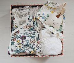 """Jenna Matintupa on Instagram: """"Fick panik förra veckan och var helt säkert på att vi inte hade tillräckligt med kläder i de första storlekarna... Stämde det? Gissa…"""" Daily Pictures, Gift Wrapping, Gifts, Instagram, Gift Wrapping Paper, Presents, Wrapping Gifts, Favors, Gift Packaging"""