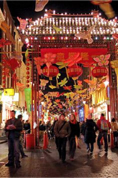largest Chinatown outside of Asia