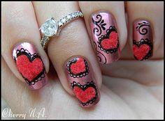 Nail art coeur au pinceau et poudre velours