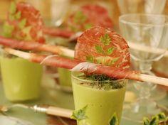 Découvrez la recette Verrine de crème de fèves sur cuisineactuelle.fr.