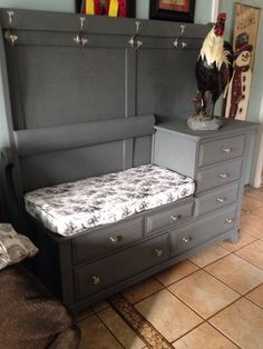 Armhouse mudroom bench ideas Mudroom Bench armhouse Bench Ideas Mudroom Mudroom Bench armhouse B Furniture Projects, Furniture Making, Home Projects, Diy Furniture, Furniture Logo, Furniture Outlet, Discount Furniture, Furniture Design, Farmhouse Furniture