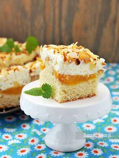 Ciasto z nektarynkami, ciasto z owocami, ciasto z kremem, ciasto z migdałami, migdały, nektaryny, brzoskwinie, http://najsmaczniejsze.pl #food #cake