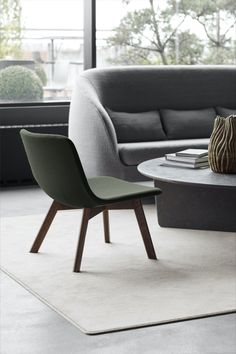 Pato Lounge Wood base is a versatile lounge chair that can be used in hotel lobbies, waiting areas and private homes. With padding and upholstery on both seat and back, Pato Lounge is a comfortable chair with a lightweight expression. #fredericiafurniture #patolounge #patocollection #modernoriginals #craftedtolast