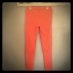 Victoria Secret coral leggings SZ S Hard to find coral VS skinny activewear leggings. Great thick spandex. Super comfy and flattering and this color looks great with so many of the VS tops! In good used condition Victoria's Secret Pants
