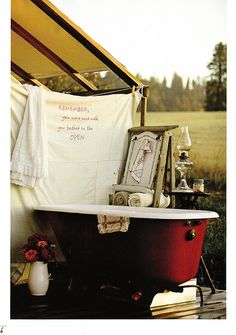 Ahh the outdoor bathtub! Reminds me of happy days in Texas with Mom. We each had our own tub. She loved it! (we were dressed in our special bathtub outfits). Outdoor Bathtub, Outdoor Bathrooms, Outdoor Showers, Garden Bathtub, Parasols, Camping Glamping, Camping Style, Trailer, British Colonial