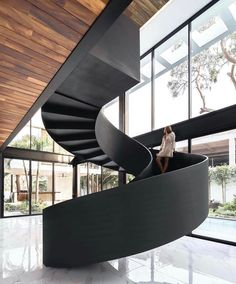 Swipe left! What do you think?🖤 • Casa del Agua designed by @difrenna.arquitectos in #Colima #Mexico • Photography by @oscarq_hdz… Modern Staircase, Spiral Staircase, Home Stairs Design, House Design, Amazing Architecture, Architecture Design, Steel Columns, Water House, House Stairs