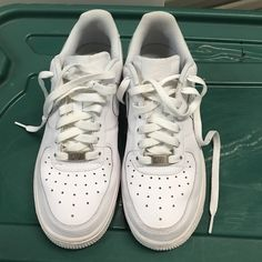 new arrival e880d c2610 White Air Forces Ones White Low Top Nike Air Force Ones. Size 6.5 Youth.