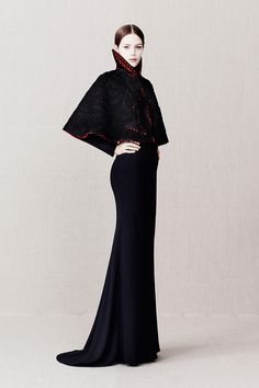 Alexander McQueen Pre-Fall 2013 - Review - Fashion Week - Runway, Fashion Shows and Collections - Vogue