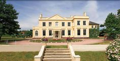 The Lawn. Rochford, Essex - Idyllic Essex Manor House with beautiful grounds