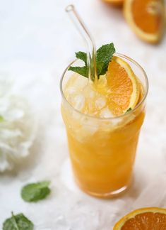 This orange crush is a copycat cocktail from the ones served in Ocean City, Maryland at the beach all summer long! Its one entire freshly squeezed orange with vodka and lemon lime soda and it tastes like heaven. Super refreshing and perfect for summer. I howsweeteats.com #orange #crush #cocktail #ocean #city #vodka