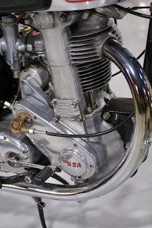 Retro Motorcycle, Classic Motorcycle, Motorcycle Engine, Motorcycle Leather, Moto Guzzi, Dirt Bikes, Street Bikes, Vintage Motorcycles, Scrambler