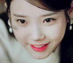 160906 아이유 달의연인 보보경심:려 5화 캡쳐 , 움짤 PART2 Iu Gif, Scarlet Heart, Moon Lovers, Iu Fashion, Beautiful Voice, Korean Dramas, Korean Celebrities, Queens, Wattpad