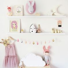 Easter inspired #shelfie with some Bunny goodness . #missviolettesroom