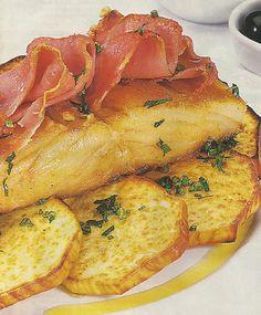 Bacalhau com Presunto e Batata-Doce Cod Recipes, Fish Recipes, Seafood Recipes, Gourmet Recipes, Seafood Dishes, Fish And Seafood, Portuguese Recipes, Portuguese Food, Sweet Potato Chips