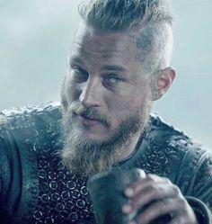 Lagertha, Iphone Wallpaper Grunge, Warrior Concept Art, Ragnar Lothbrok Vikings, Tumblr Stories, Vikings Tv Show, Viking Clothing, Star Wars, Knight In Shining Armor