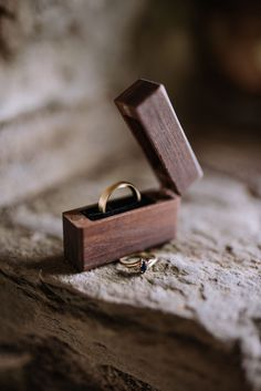 Family and friends were invited to spend three full days in Olympic National Park for Hannah and Kyle's Lake Crescent wedding. Different Engagement Rings, Engagement Ring Boxes, Wedding Ring Photography, Wooden Ring Box, Wedding Ring Box, Wedding Blue, Diy Rings, Wood Rings, Jewelry Packaging
