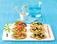 Mini-pizza apéritif à la tomme de chèvre, tomates cerises et pesto verde, voir la recette des mini-pizza apéritif à la tomme de chèvre...