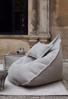 A bean bag chair is multi functional: a lounger, a recliner, a chair, a hammock and way more! A bean bag chair is a brilliant useful and cozy piece of Diy Furniture, Furniture Design, Wicker Furniture, Pouf Ottoman, Home And Deco, House Design, Design Shop, Design Design, Design Ideas