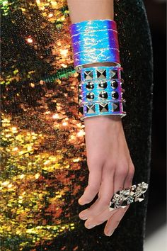 i want these shiny/iridescent thangz on the wrist!!