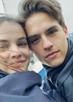 cole and dylan sprouse Sprouse Bros, Cole Sprouse, Movie Couples, Famous Couples, Barbara Palvin, Cute Relationship Goals, Cute Relationships, Cute Couples Goals, Couple Goals
