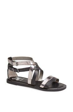 Pin for Later: Wählt eure neuen Schuhe aus: 50 preiswerte Sommerschuhe Sam Edelman Metallic Gladiator Sandale Sam Edelman Circus by Maxon Sandal ($45)
