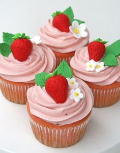strawberry cupcakes via @Glorious Treats