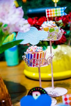 Festa de aniversário com tema arco-íris | Baby & Kids | It Mãe