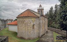 Iglesia de San Xoán de Vilanova, una de las iglesias más antiguas del románico de Galicia, su ábside con decoración lombarda está fechado en los años centrales del S. XII