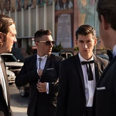 arcticmonkeys.uk/2016/09/28 22:50:48/He makes examples of you and there's nothing you can say Behind they go through to the bit where you pay  #arcticmonkeys #nickomalley #matthelders #alexturner #jamiecook