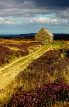 Trough House, North York Moors national park in North Yorkshire, England. Photo by by Ray Tough. St Andrews Golf, Golf Tips Driving, Augusta Golf, Golf Course Reviews, Happy Birthday, Golf Stores, Tourist Information, Play Golf, Golf Clubs