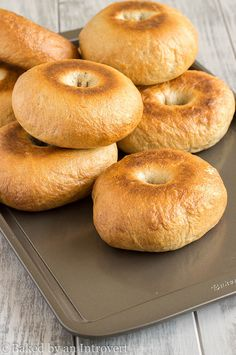 Homemade Cinnamon Maple Bagels that are crisp and chewy. The are a family favorite! They are great served with flavored cream cheese, butter, or jam.