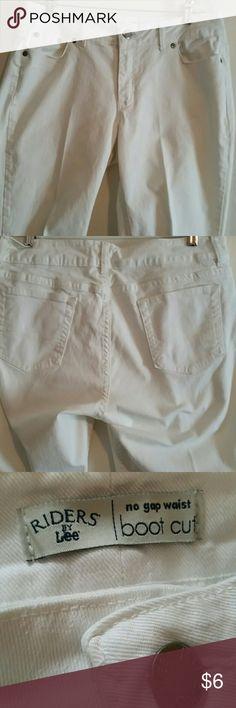 """RIDERS BY LEE JEANS BOOT CUT, NO GAP WAIST,  98% COTTON,  2%SANDEX,  MACHINE WASH COLD,  INSEAM  30"""", WAIST  36"""",  SIZE 16 M. RIDERS BY LEE  Jeans Boot Cut"""