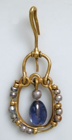 Antique Jewelry Gold Earring with Pearls and Sapphires Date: century Culture: Byzantine Medium: Gold, sapphire, pearls - Byzantine Jewelry, Medieval Jewelry, Ancient Jewelry, Medieval Art, Antique Jewelry, Gold Jewelry, Jewelery, Vintage Jewelry, Jewelry Accessories