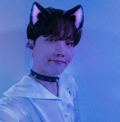 Hoseok Bts, Jhope, Cute Profile Pictures, Cute Pictures, K Pop, Beauty And The Beast Movie, Cat Icon, Army Wallpaper, Rap Lines