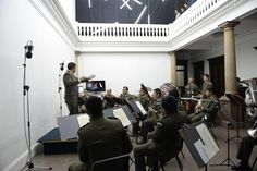 Orquesta en la develación de la primera escultura holográfica gigante conocida a la fecha.