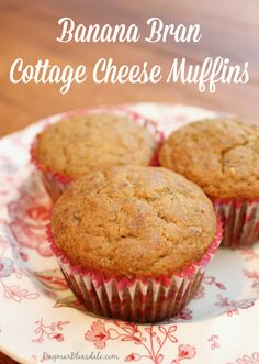 Easy banana bran cottage cheese muffins. Yes, cottage cheese! #baking #muffins #cupcakes #cottagecheese #bran #flaxmeal