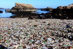 """Der Strand ist wandelbar. """"Im Winter werden oft größere Glasstücke an die..."""