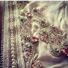 ليلى Zardosi Embroidery, Tambour Embroidery, Bead Embroidery Patterns, Couture Embroidery, Gold Embroidery, Embroidery Fashion, Embroidery Designs, Tambour Beading, Moroccan Caftan