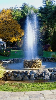 Fountain and Butterflies Live Wallpaper Beautiful Photos Of Nature, Beautiful Gif, Amazing Nature, Beautiful Landscapes, Beautiful Pictures, Images Gif, Gif Pictures, Cool Pictures, Gif Bonito