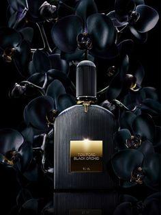 Black Orchid Tom Ford perfume - a fragrance for women 2006 Perfume Glamour, Tom Ford Black Orchid, Boutique Parfum, Toms, Or Noir, Fragrance Parfum, Smell Good, Black Gold, Belle De Jour