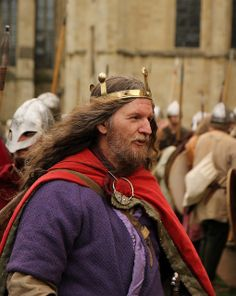 KING GUTHRUM THORWULFSSON EVERYONE!!! SHOW RESPECT- THIS MAN IS A LIVING LEGEND IN THE REENACTMENT COMMUNITY
