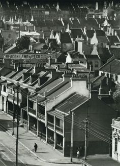 Hoppé, Over the rooftops, Stanley Street, Sydney, From E. Hoppé's Australia. Sydney City, Historical Pictures, Sydney Australia, Old Photos, Antique Photos, Vintage Photography, Past, Beautiful Places, History